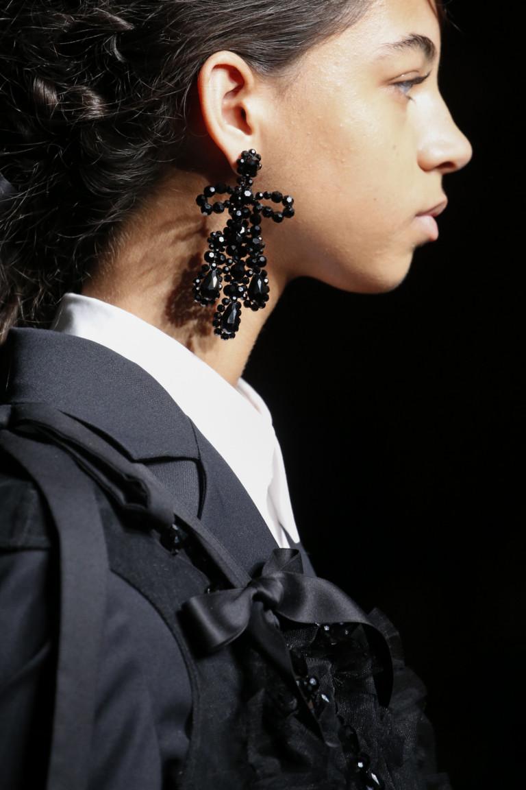 Черные серьги в виде банта из коллекции Simone Rocha