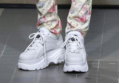 Белые кроссовки от Junya Watanabe осень-зима 2018-2019