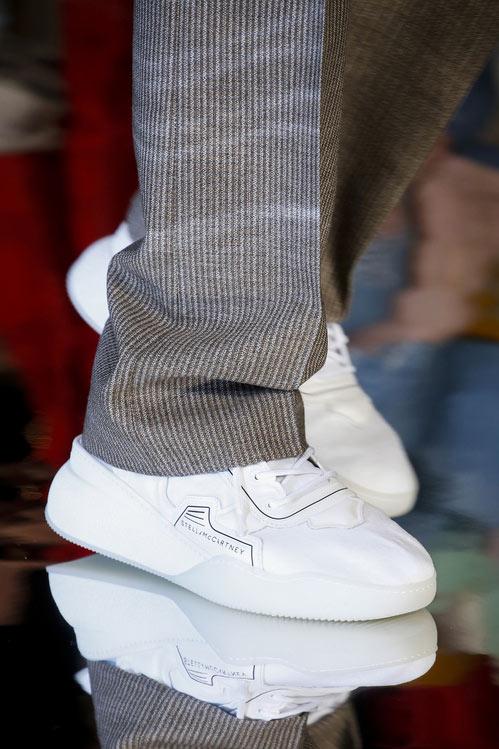 Белые кроссовки Stella McCartney осень 2018