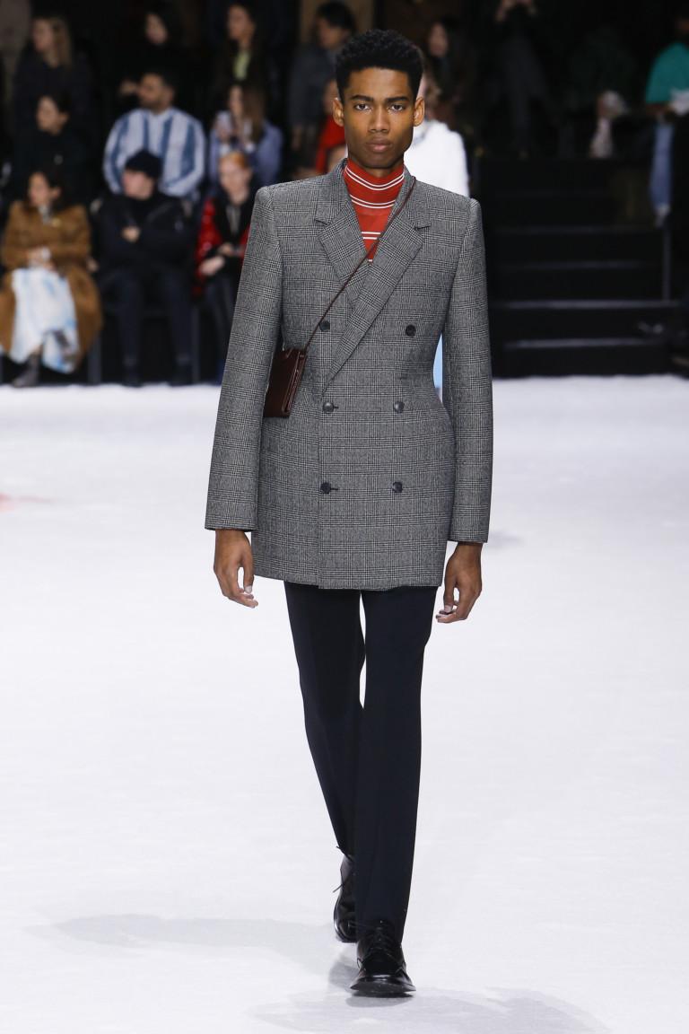 Серый двубортный пиджак Balenciaga. Коллекция FW 2018-2019