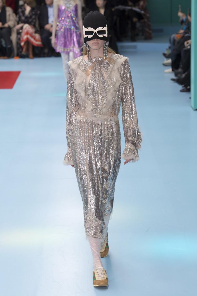 Блестящее платье из коллекции Gucci осень-зима 2018-2019