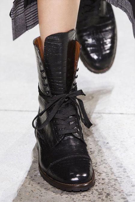Модные ботинки в стиле милитари на шнуровке Jonathan Simkhai 2018-2019