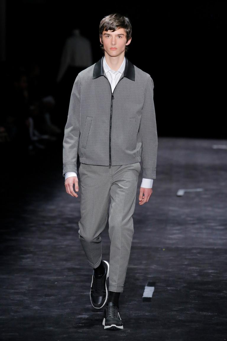 Серый костюм из осенне-зимней коллекции 2018-2019 Neil Barrett