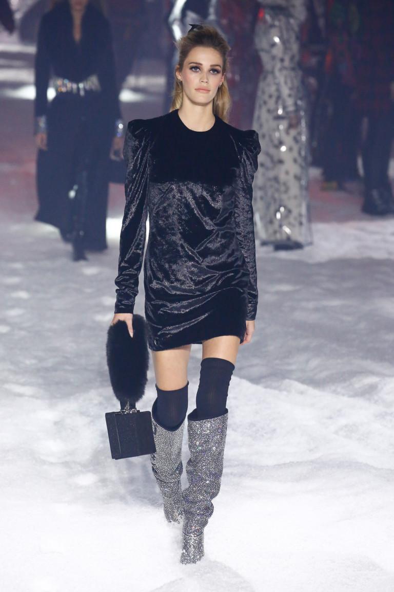 Черное платье из осенне-зимней коллекции 2018-2019 Philipp Plein