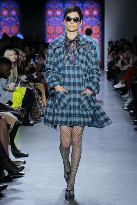 Модное платье в клетку для осени и зимы 2018-2019 Anna Sui