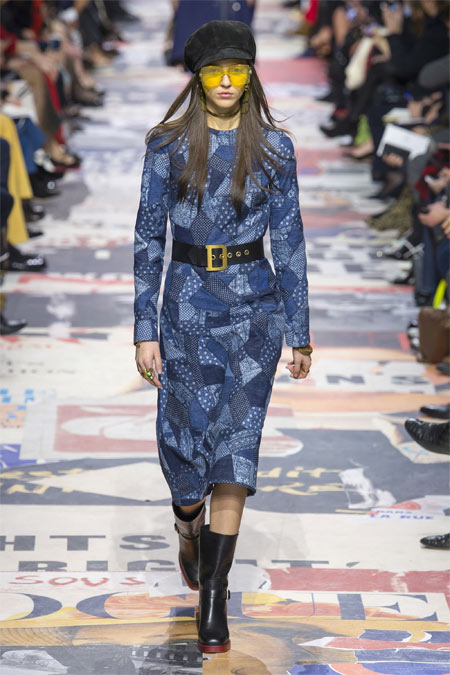 Модное джинсовое платье миди Christian Dior FW 2018-2019