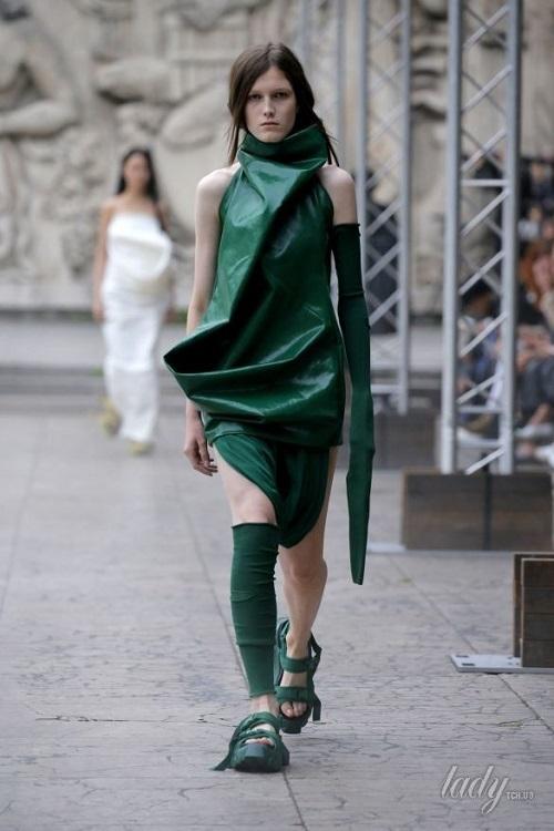 Модная женская одежда весна-лето 2018: в моде зеленый