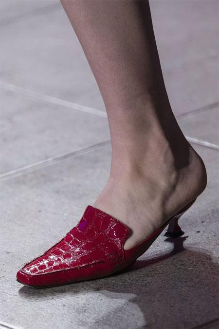 Шлепанцы с острым носком от Sies Marjan 2018