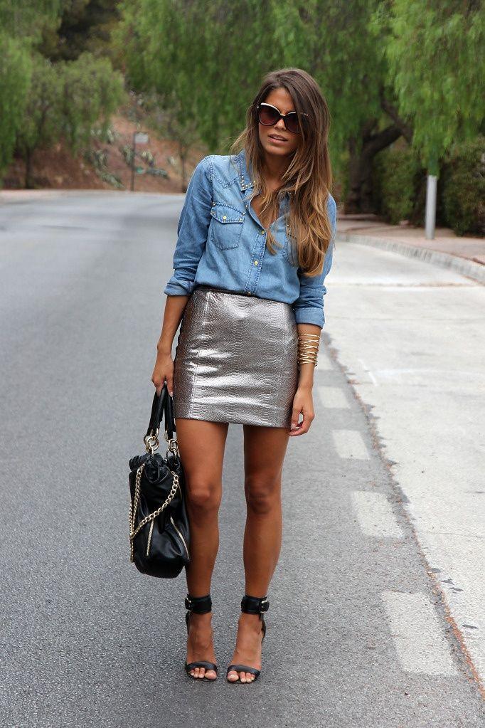 С чем носить серебристую юбку - с джинсовой рубашкой