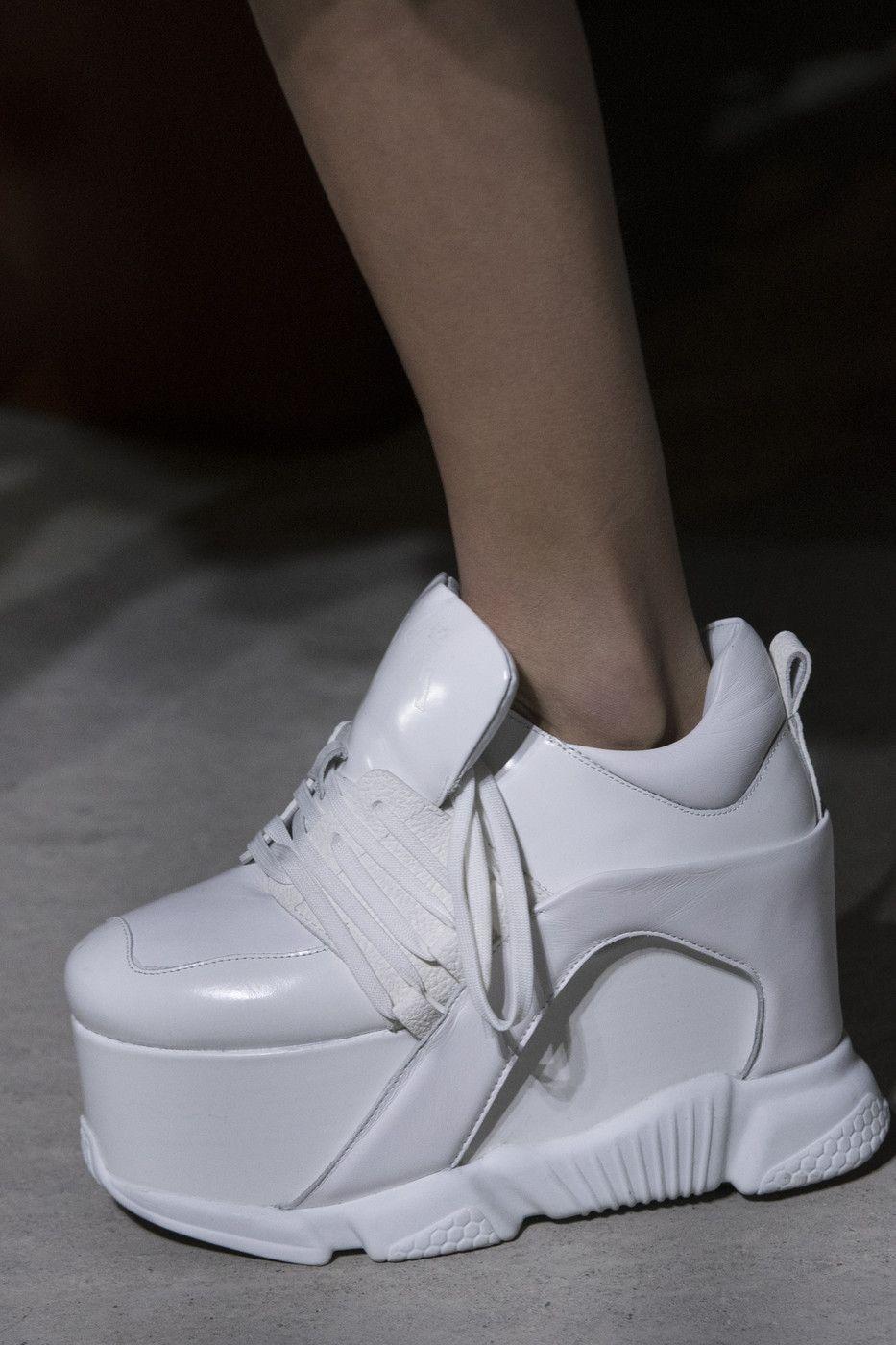 Модные кроссовки осень-зима 2018-2019 из коллекции Marques Almeida