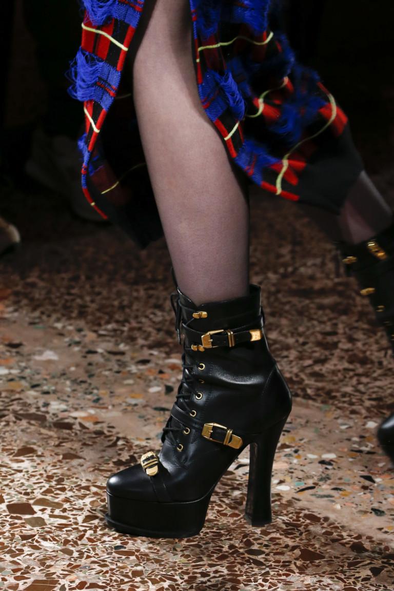 Черные ботинки на платформе и высоком каблуке. Коллекция FW 2018-2019 Versace