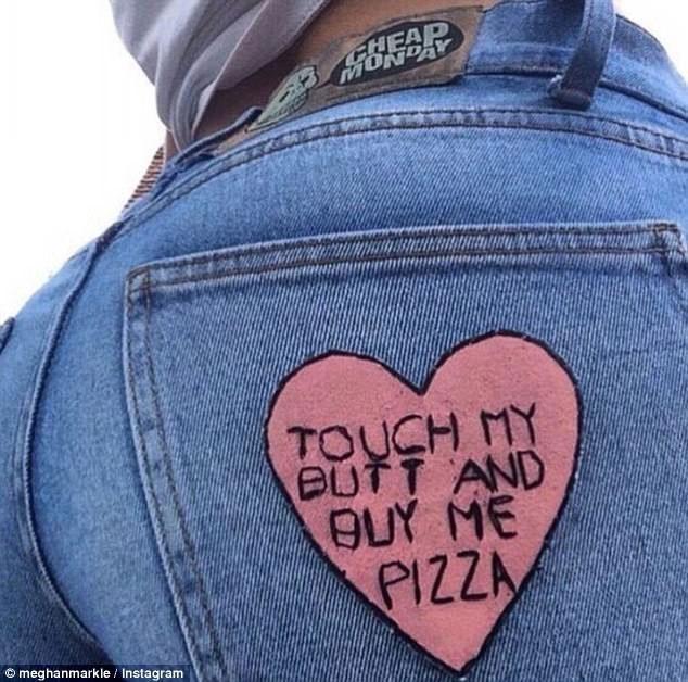 Потрогай меня за задницу и купи мне пиццу