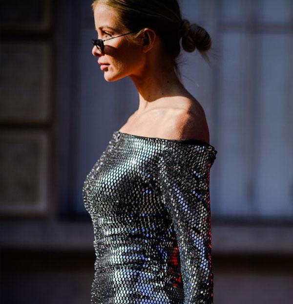 Платье (ну или блузка) серебристого цвета