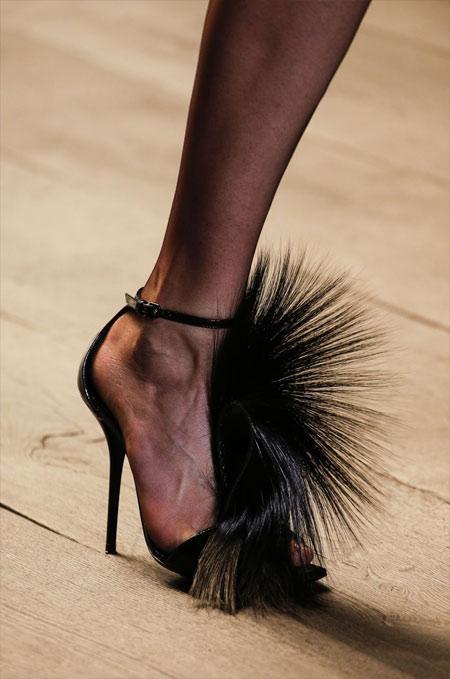 Туфли Saint Laurent отороченные мехом