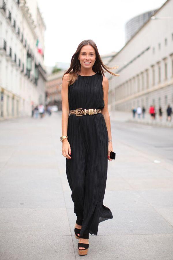 Пояс с леопардовым принтом и черное платье в пол
