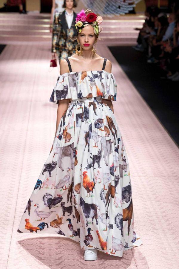 Платье с принтом в виде животных. Коллекция весна-лето 2019 D&G