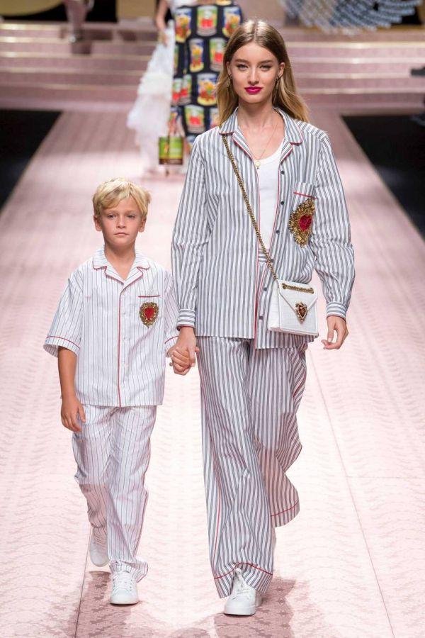 Пижамный стиль в коллекции Dolce & Gabbana весна-лето 2019
