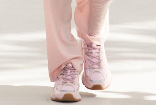 Розовые мужские кроссовки