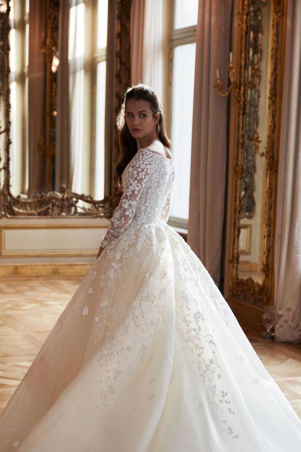Белое свадебное платье с объемной юбкой от Elie Saab
