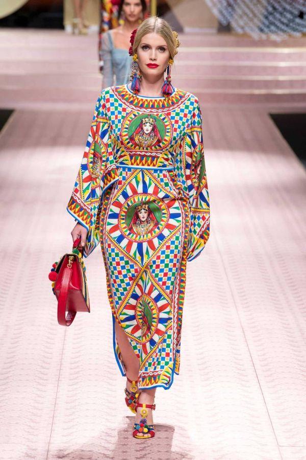 Китти Спенсер на показе Dolce Gabbana коллекции весна-лето 2019