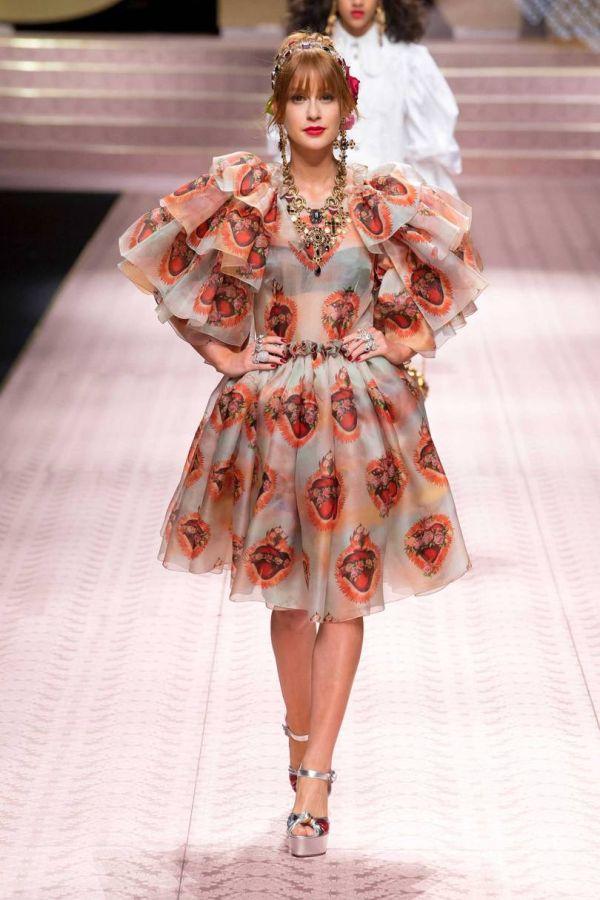 Марина Руй Барбоза в пышном платье из коллекции весна-лето 2019 D&G
