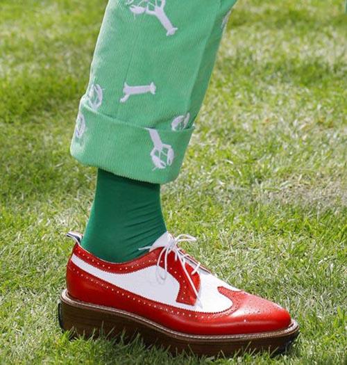Красно-белые туфли