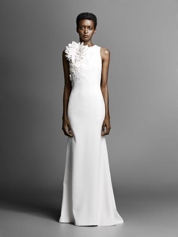 Модные свадебные платья 2019 - платья с объемными цветами