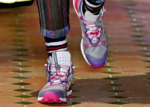 Модные яркие мужские кроссовки