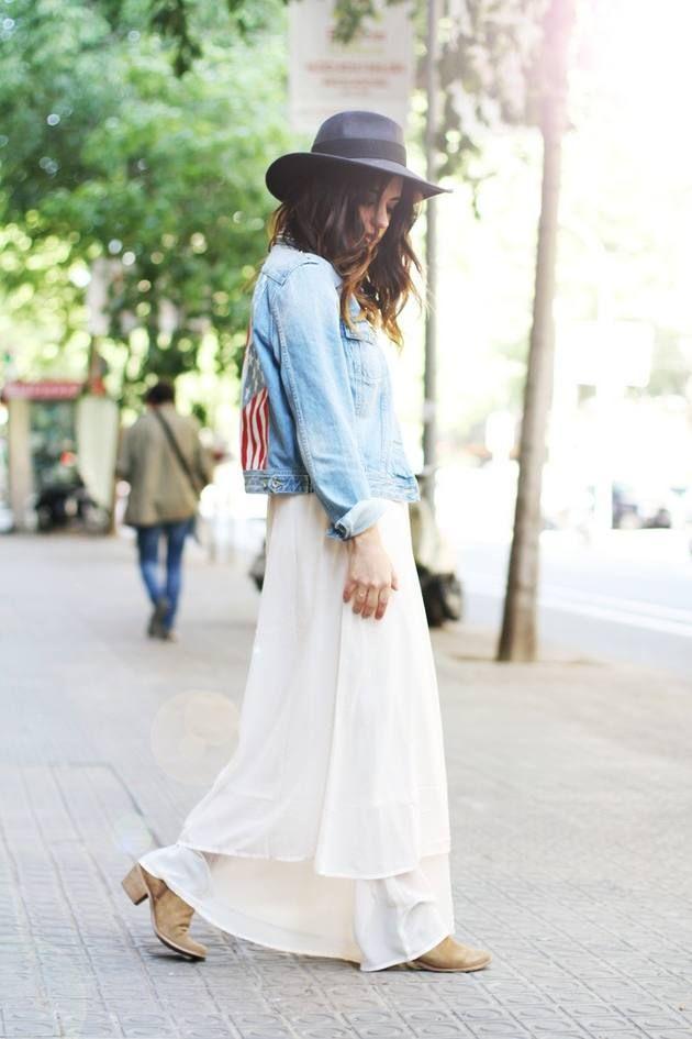 Длинное шифоновое платье с джинсовой курткой