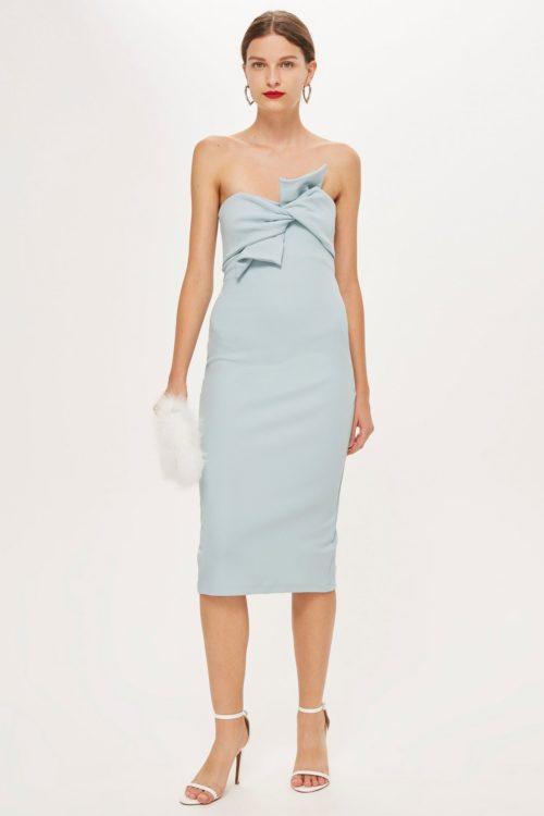 Светло-голубое платье