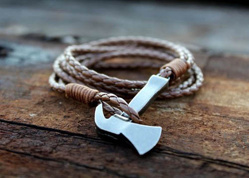 Кожаный браслет для мужчины