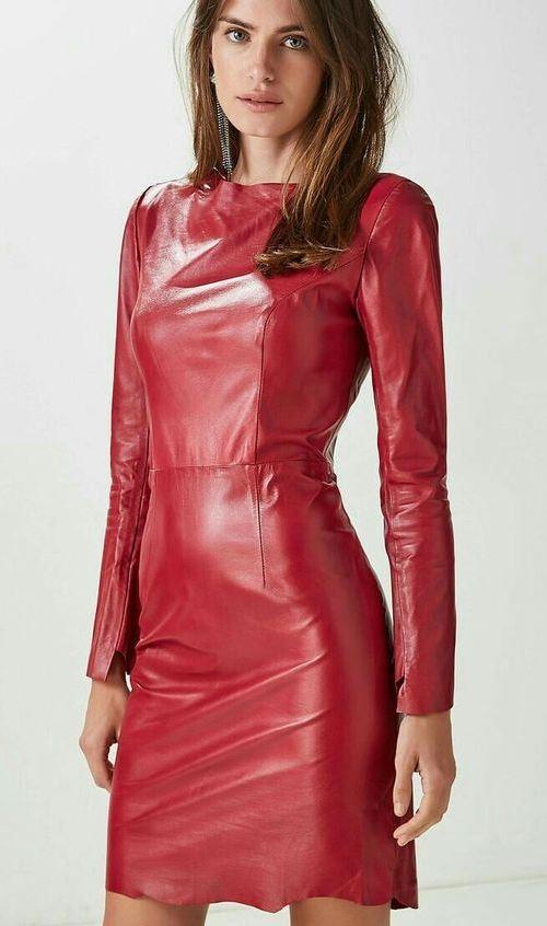 Красное кожаное платье