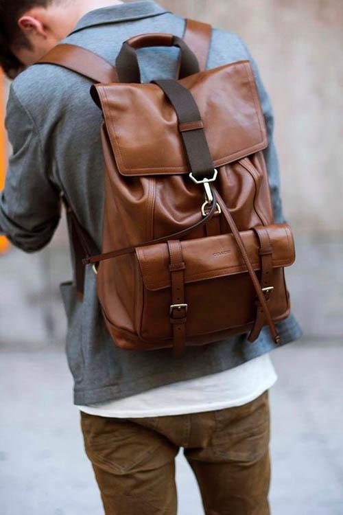 Мужской рюкзак из коричневой кожи