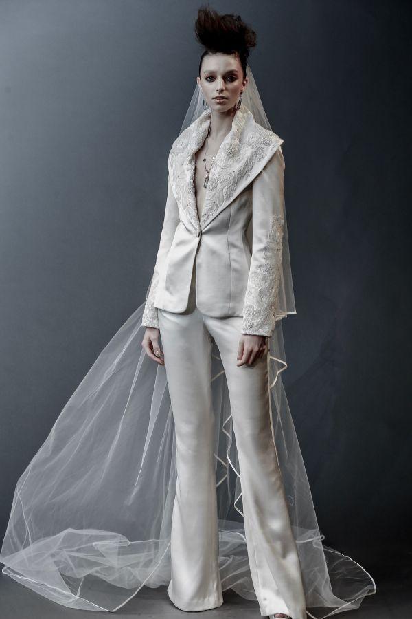 Брючный костюм для невесты из коллекции Naeem Khan SS 2019
