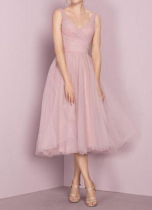 Пудрово-розовое платье
