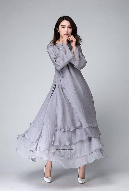 Серое платье из шифона