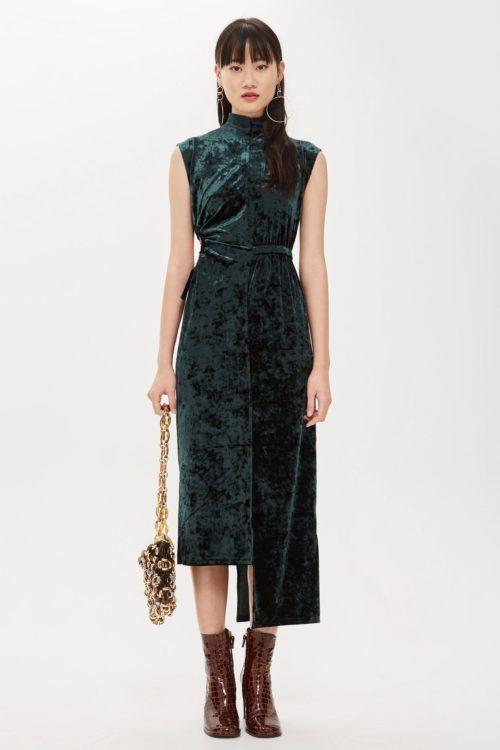 Темно-зеленое платье из бархата