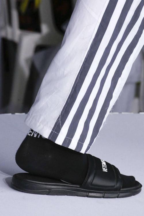 Шлепанцы с носками