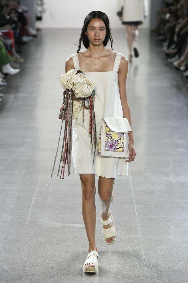 Модная белая сумка с декоративной лапшой из коллекции Claudia Li