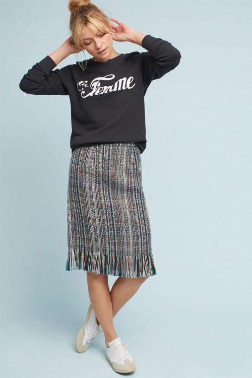 Твидовая юбка и черный свитшот