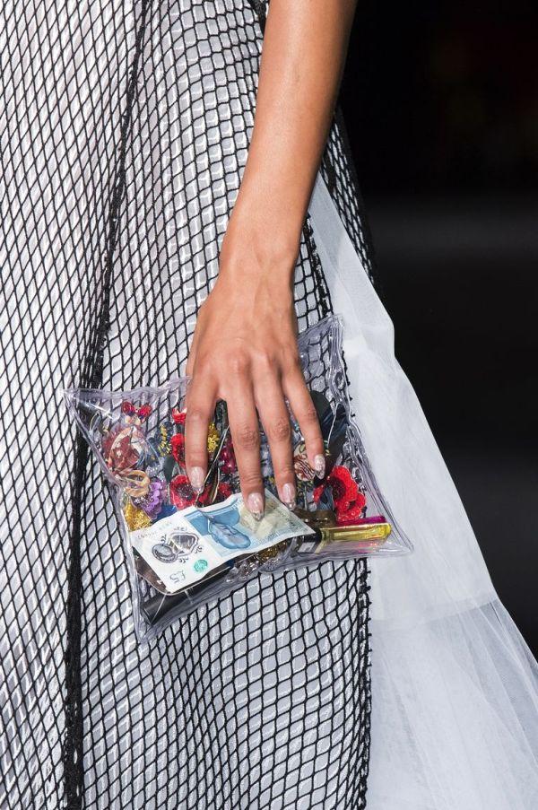Маленькая прозрачная сумка Mary Katrantzou. Коллекция весна-лето 2019