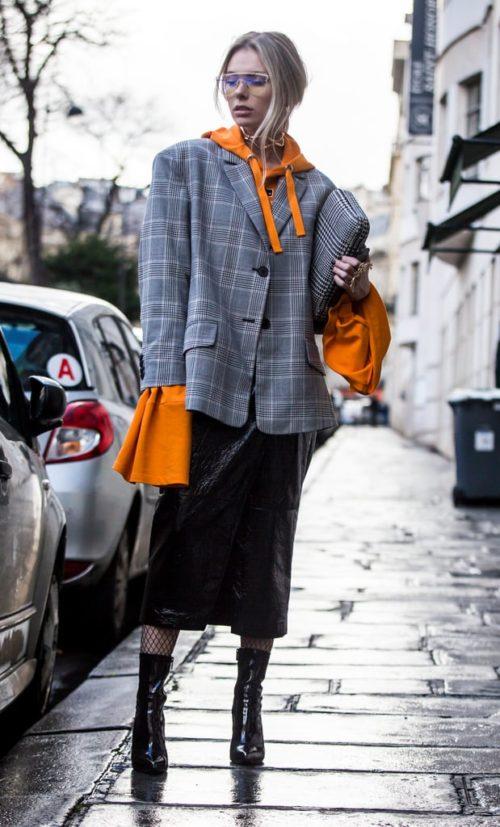 Серый пиджак с объемными плечами
