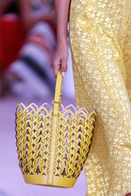 Желтая ажурная сумка Kate Spade
