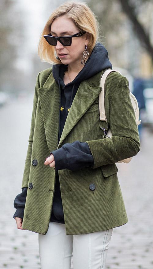 Вельветовый пиджак и худи