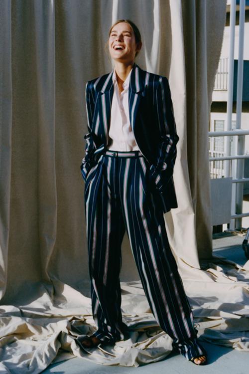 Женский деловой костюм в стилистике оверсайз Nina Ricci весна-лето 2019
