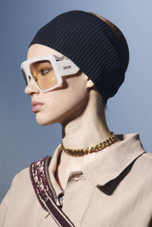 Очки в прямоугольной массивной оправе от Christian Dior SS 2019