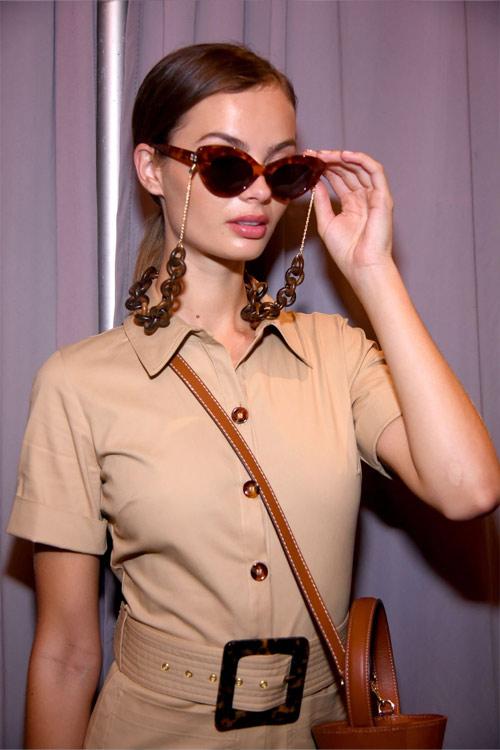 Модные солнцезащитные очки весна-лето 2019  6 трендов для работы и ... 885ad8f8f25