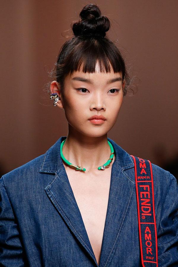 Fendi Модные женские стрижки 2019: 100 стильных идей на средние волосы