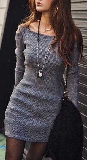 Серое платье - черные колготы