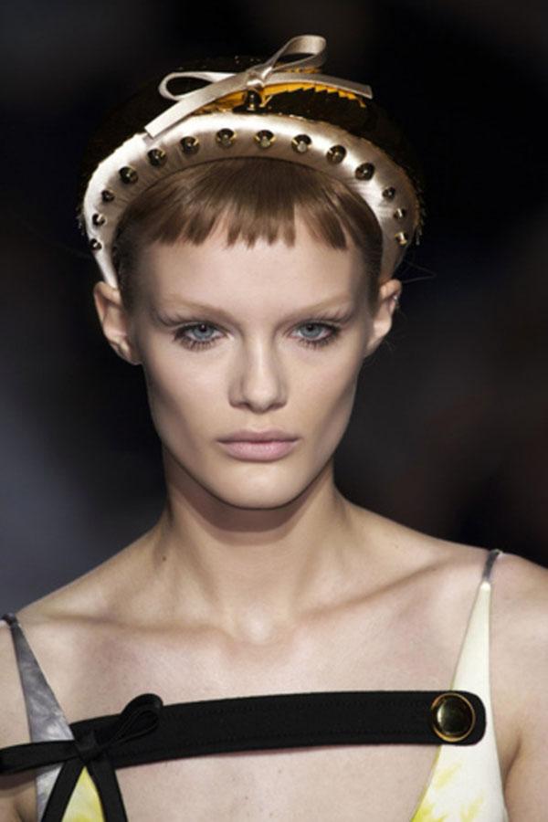obruch Модные женские стрижки 2019: 100 стильных идей на средние волосы